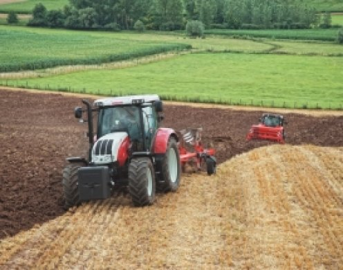 Съвременен дизайн, икономичност и ефективност – доверете се на тракторите с марка Steyr