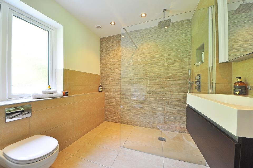 Няколко супер ефективни причини да изберете параван за вашата баня