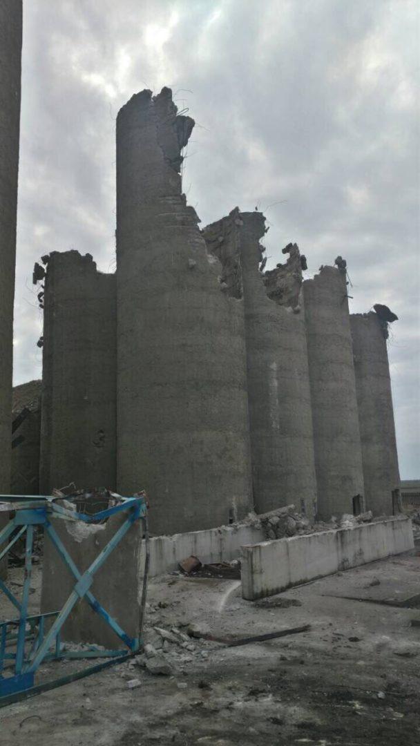 Събарянето на сгради като част от предстоящия строителния процес